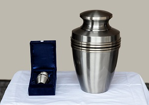 Large Urn and small Keepsake Urn